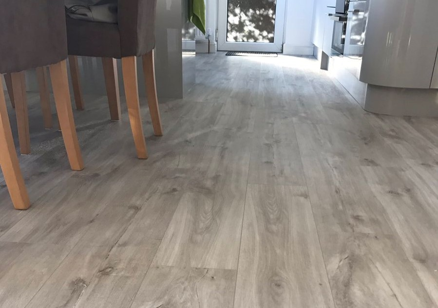 Quick Step Livyn Canyon Oak Beige Has All The Hard Wearing Qualities Of A Luxury Vinyl Tile And An Authentic Pale Wood Finish