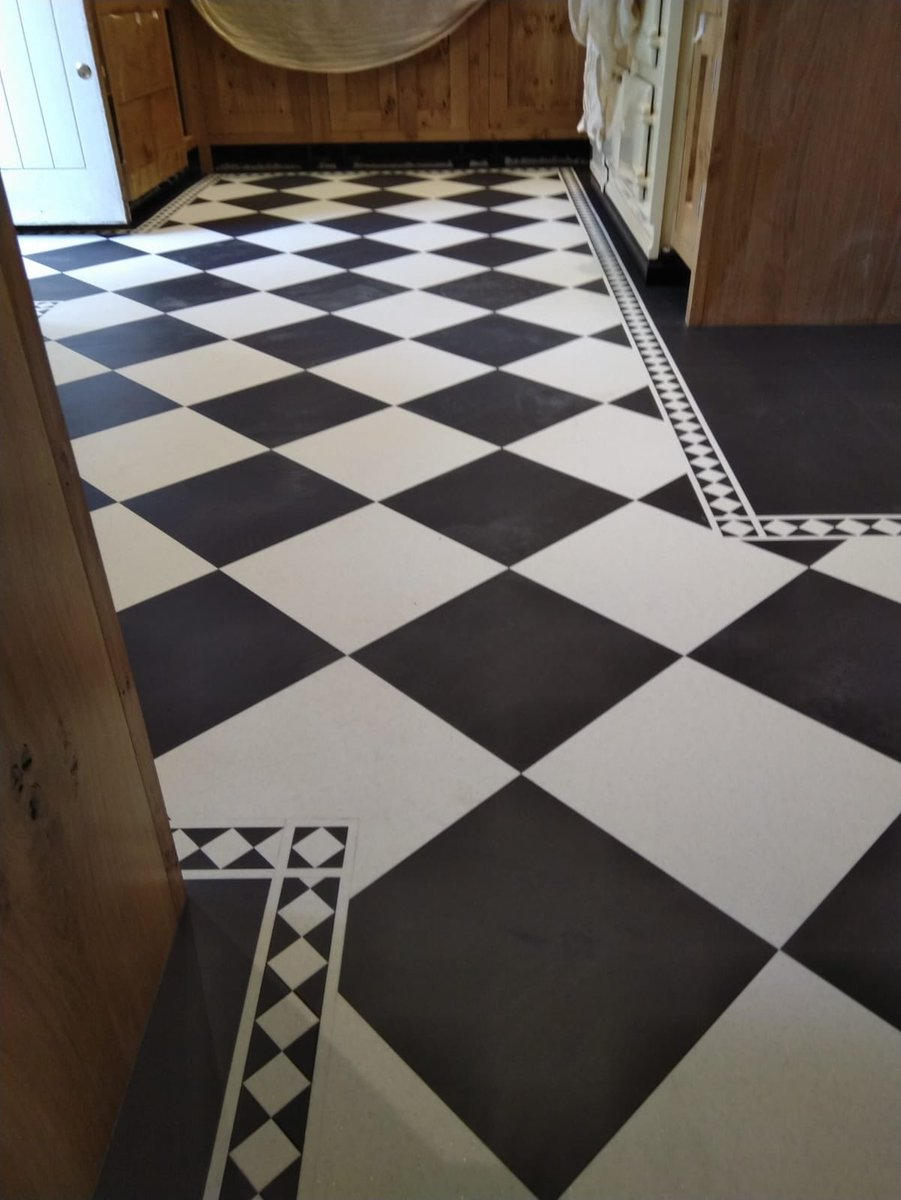 Flooring 4 You Ltd installed Amtico Signature Composite Calcium and Graphite slate to a kitchen in Alderley Edge Cheshire