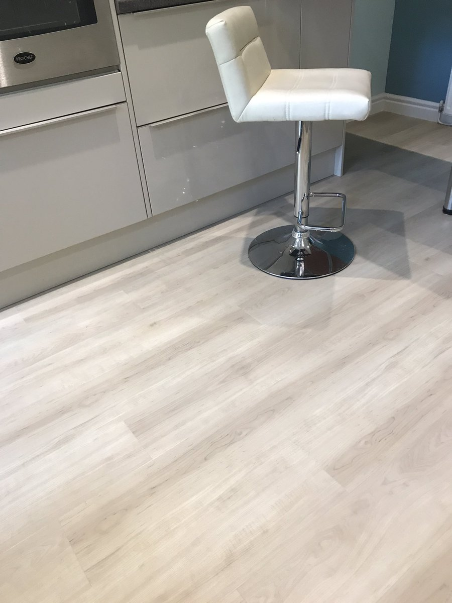 Amtico Spacia White Maple